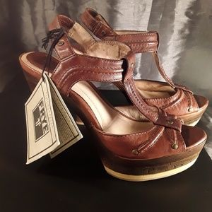 FRYE Genuine Leather and Cork Open Toed Pumps